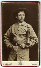 Photo cdv portrait d'un mineur et sa lampe de sûreté - E. Gillot Douai Nord 1880