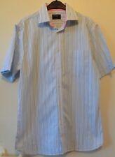 Hellblau/weiß gestreiftes Hemd Kurzarm mit einer Brusttasche Gr. L von HACKETT