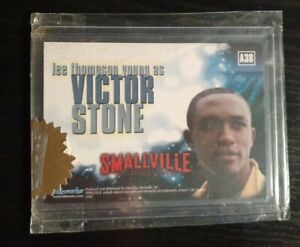 Smallville Autograph Card A38 Lee Thompson Young - Victor Stone w/Gold Seal