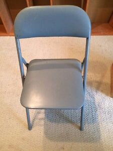 Local pickup only.No shipping. Folding chair, metal , vinyl covered , padded.