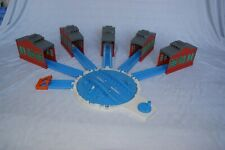 TOMY TRACKMASTER TURNTABLE & 5 ENGINE SHEDS Thomas And Friends Train Sets