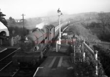 PHOTO  GWR 5946 MARWELL HALL ENTERS PENPERGWM RAILWAY STATION  WITH A STOPPER 11