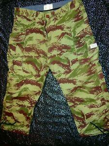 Supreme Quality 10 DEEP 10DEEP Mens Cargo Shorts Mens SZ 34 Military CAMO