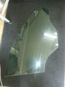 2008 Saturn vue window glass