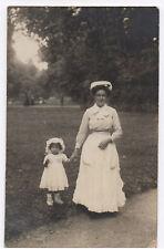 PHOTO ANCIENNE Bébé Nourrice Coiffe Métier Costume Layette Vers 1900 Jardin Main