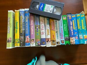 Lot of 17 VHS Movies Includes Musicals and Kids Movies