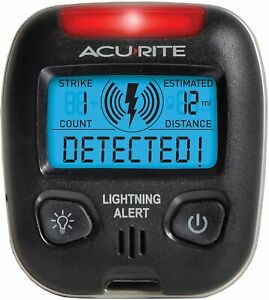 AcuRite 02020 Portable Lightning Detector, 2 AAA batteries