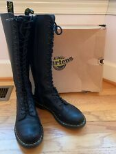 Dr. Martens 1B60 Women's Smooth Leather 20 Eyelet Boots Size 9- Black
