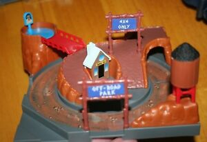 Vintage 1991 Galoob Micro Machines Hiways & Byways Off Road Crossing-Different