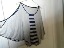 Fashion Exit Bat Wing Cold Shoulder Top Size Small