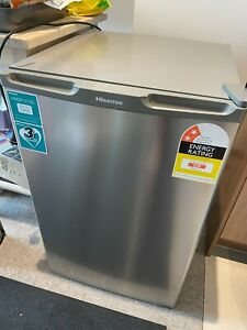 Hisense HR6BF121S 120L Bar Fridge