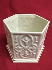 Lenox Ivory Porcelain Hexagon 6-sided Box Bowl w/ Gold Trim