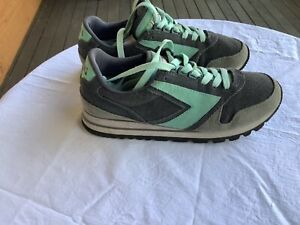 Women's BROOKS Chariot shoes - Size US8 / EUR 39 - Grey and green - walking, run