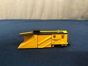 Walthers N Scale Pennsylvania Russell Snow Plow NO CASE