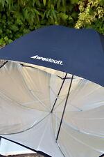 "2x Westcott 45"" umbrellas M+ 1x Photoflex S = 3umbrellas"