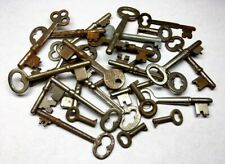Lot of 26 Vintage Skeleton Keys Old Metal Key Jewelry Crafts Art Antique  D