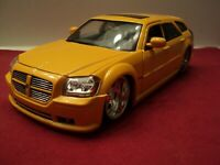 Jada 2006 Dodge Magnum R/T  1:24 Scale used no box  no longer made 2006 release