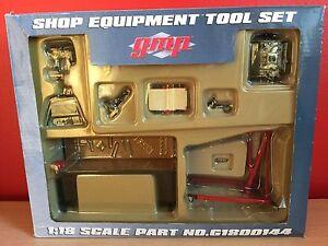 GMP Shop Garage Equipment Tool Set 1:18