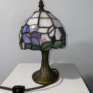 """Lovely Tiffany Style Desk Lamp 11"""" x 6"""" Purple Mauve Green Pink Floral"""