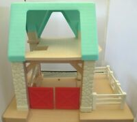 Little Tikes STABLE Barn Green Roof Fence Stairs Ladder