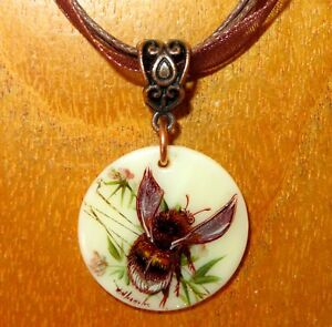 Pendant Bumblebee SMALL Gold Brown Genuine hand painted White Lip SHELL signed