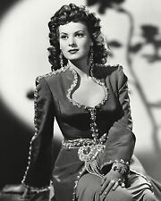 """MAUREEN O'HARA IN THE FILM """"SINBAD THE SAILOR"""" - 8X10 PUBLICITY PHOTO (ZY-013)"""
