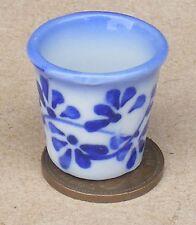 Échelle 1:12 Grand Bleu & Blanc Céramique Urne Vase Pot Maison De Poupées Fleur Jardin B65