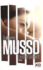 GUILLAUME MUSSO L'INSTANT PRESENT + PARIS POSTER GUIDE