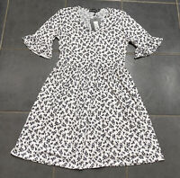 BNWT Pretty Little Thing White/Black Floral Ditsy Tea Dress Frilled Sleeves 10