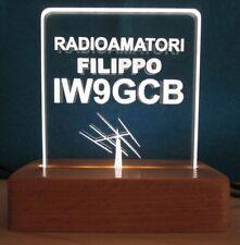 radioamatori targa luci led incisa al laser su plexiglas + base in legno faggio
