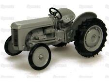 Sparex 1/43 Scale Universal Hobbies Massey Ferguson TEA20 Model Tractor