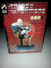 Transformers G1 ARCEE Paradron Medic 2004 Variant Limited Edition Statue MISB