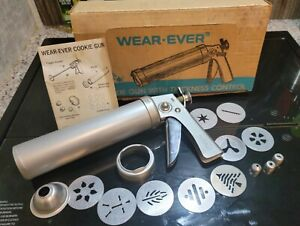 Vintage Wear-Ever Cookie Gun & Pastry Decorator #3365 Vintage Made USAPre-Owned