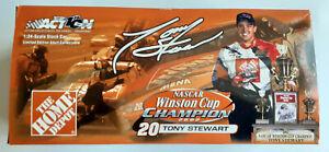 Tony Stewart #20 Home Depot 2002 Winston Cup Championship Grand Prix 1:24-scale