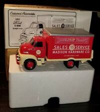 Eastwood Automobilia Transportation 1953 Ford C-600 Straight truck 1/34 scale.