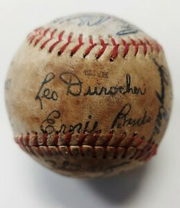 1969 Chicago Cubs Team Autographed Baseball Leo Durocher Manager As Pictured
