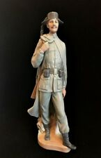 Lladro Guardia Civil Spanish Soldier Policeman Guard Figurine 11.5 inches Km 6