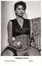SOPHIA LOREN actress PIN UP PHOTO postcard - Film Star 2000 Mint