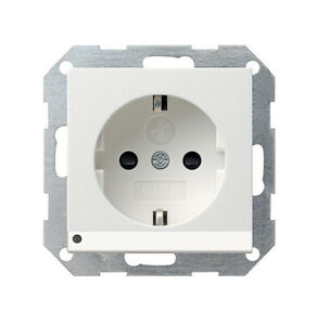 GIRA Schuko-Steckdose LED Orientierungsleuchte 117003 System 55 reinweiß glänzen
