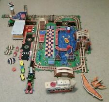 MELISSA & DOUG BIG CITY ADVENTURE  WOODEN CONSTRUCTION Set inc  and other pieces