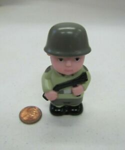 """PLASTIC MAN SOLDIER ARMY MILITARY w/ GUN FIGURE  3"""" Town for Little People"""