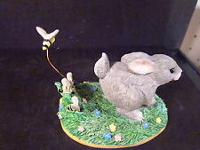 Charming Tails Silvestri The Chase Is On Rabbit Chased By Bees w/ Box