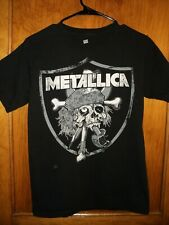 Metallica T Shirt- size Small- great condition !
