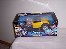 MUSCLE MACHINES - '32 FORD ROADSTER - 1/18 - YELLOW  - L@@K - NEW
