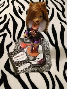 2009 Monster High 1st Wave Clawdeen Wolf Doll & Accessories