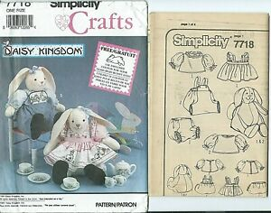"""S 7718 sewing pattern 12"""" Daisy Kingdom BUNNY DOLLS & CLOTHES sew Adorable UNCUT"""