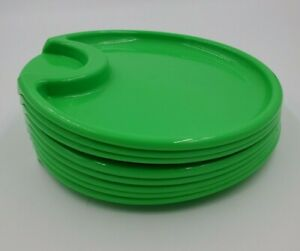 The Pampered Chef  Set of 8 Outdoor Party Picnic Plates Green