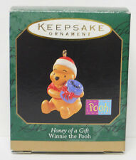 1997 Hallmark Keepsake Miniature Ornament Winnie the Pooh Honey Gift-Qxd4255