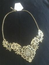 *Vintage Style Gold Intricate Floral Bib Necklace*