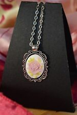 PRETTY ANTIQUE STYLE FLOWER CAMEO NECKLACE  [2/12/16/249]